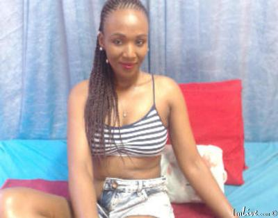 CherryBrooke, 30 – Live Adult cam-girls and Sex Chat on Livex-cams
