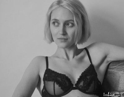 Moon69Diamond, 22 – Live Adult cam-girls and Sex Chat on Livex-cams