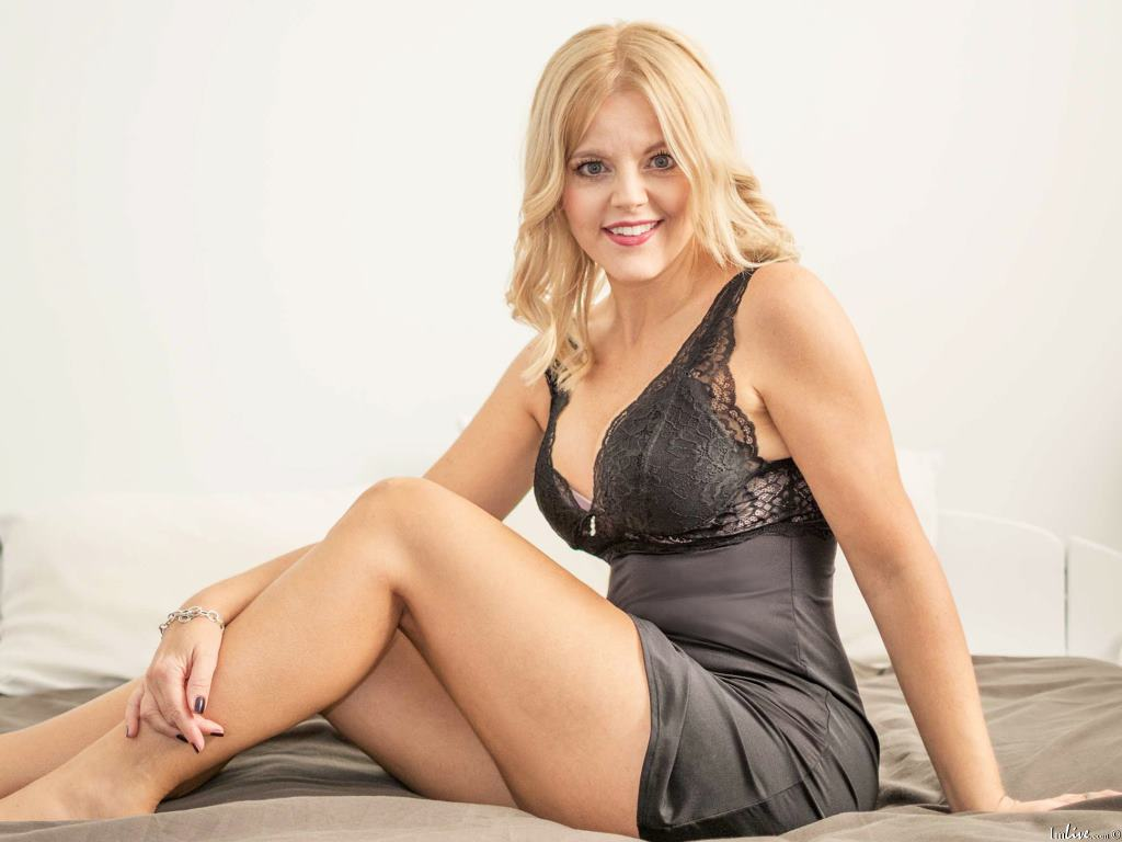 SexyClaritta's Profile Image